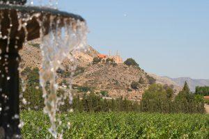 Vistas desde el comedor al Castillo de la Mola y Santuario de la Magdalena